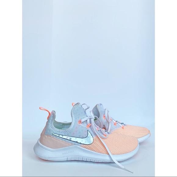 quality design 8fa59 4281d Nike Free Run 942888-102 Peach coral/White - sz 7